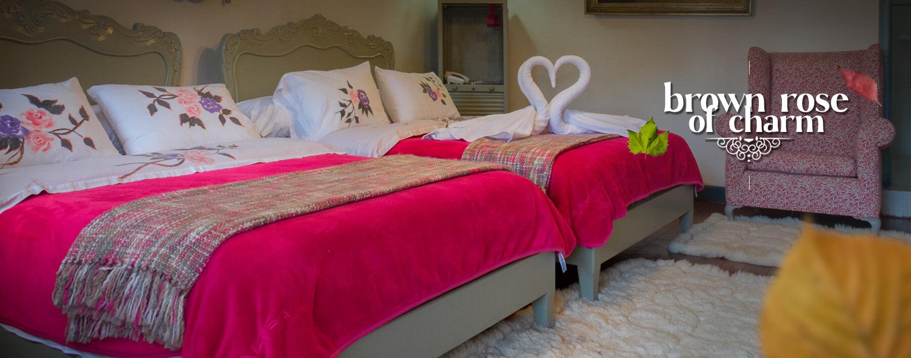 hotel-boutique-casa-de-hacienda-su-merced-habitacion-vida-rosa-banner-ingles